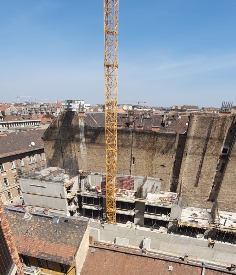 Marone House építkezés 2020. április
